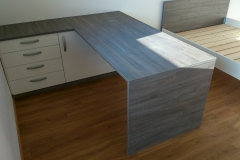 Moderna pisalna miza v pisarni