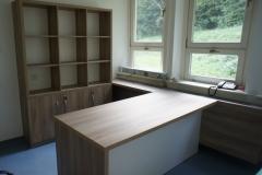 Končni izgled pisalne mize in omare za dokumente