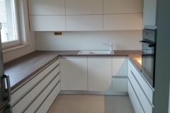 Moderna velika kuhinja