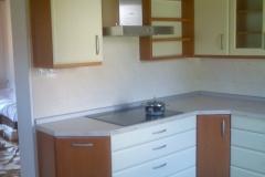 Primer izkorita kota v kuhinji
