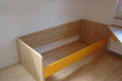 Preprosta otroška postelja