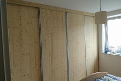 Vgradne omare v moderni spalnici